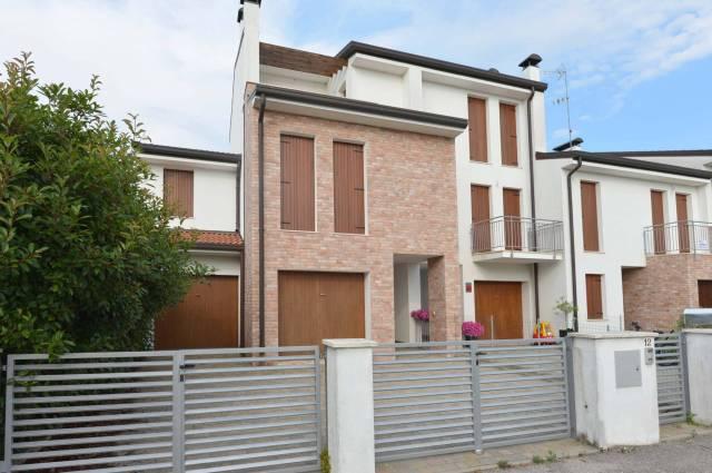 Appartamento in ottime condizioni in vendita Rif. 7266568