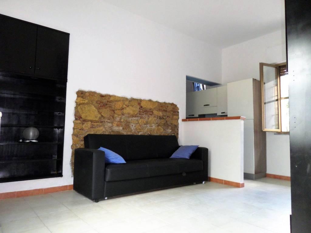Appartamento in ottime condizioni arredato in affitto Rif. 7279211