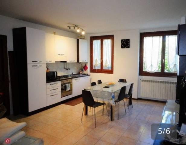 Appartamento in buone condizioni in vendita Rif. 7268953