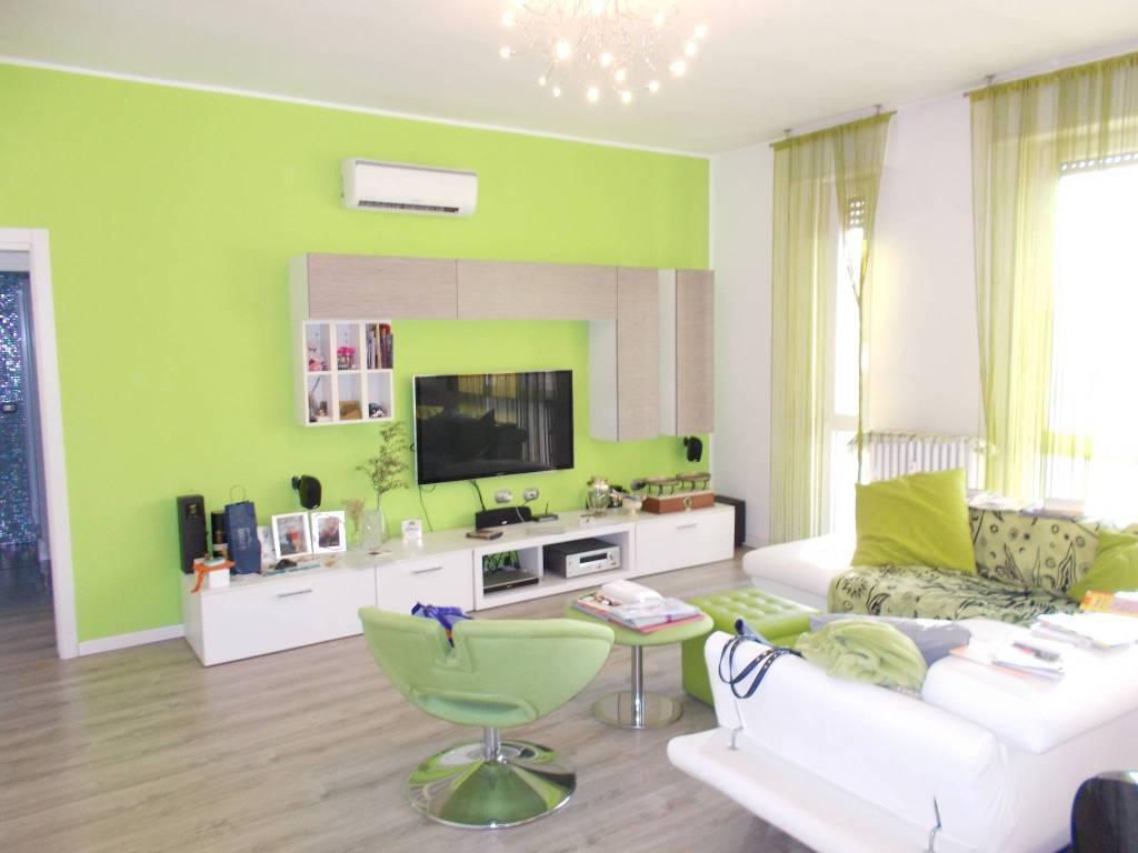 Appartamento in ottime condizioni in vendita Rif. 8680431