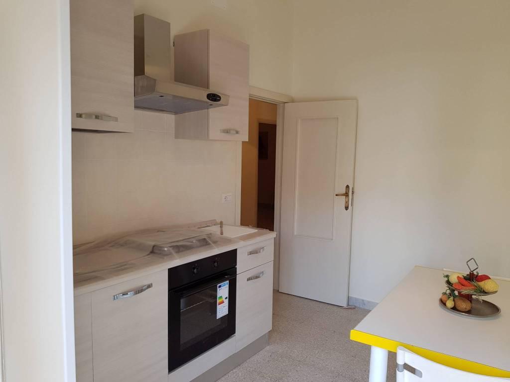 Appartamento in buone condizioni arredato in affitto Rif. 7908943