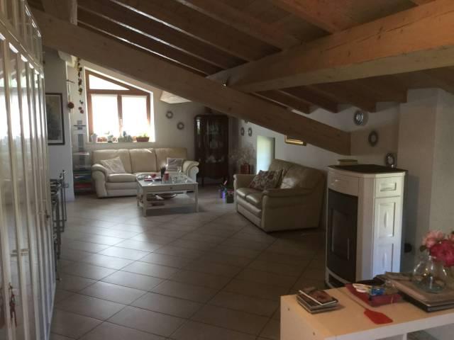 Appartamento in ottime condizioni in vendita Rif. 4480915