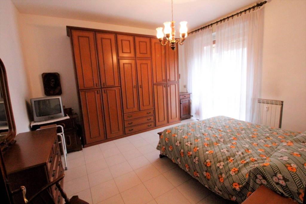 Appartamento in buone condizioni in vendita Rif. 8645519