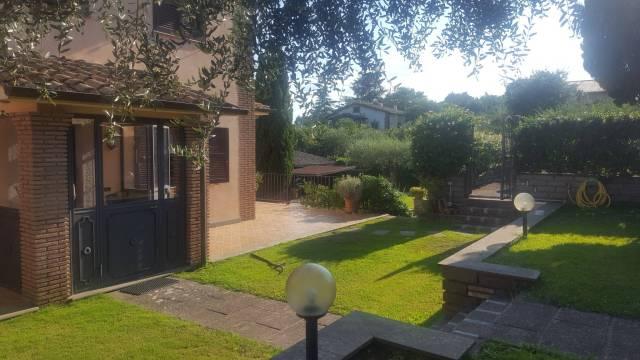 Villa arredato in affitto Rif. 7283844