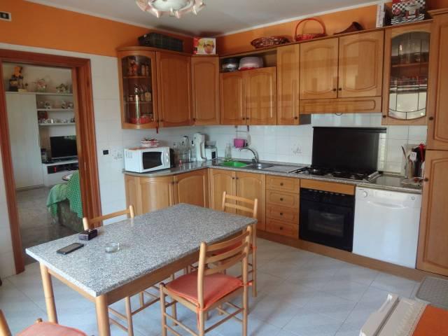 Appartamento in ottime condizioni parzialmente arredato in affitto Rif. 7280864