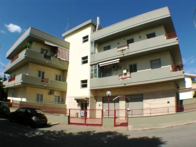 Appartamento in buone condizioni in vendita Rif. 7278506