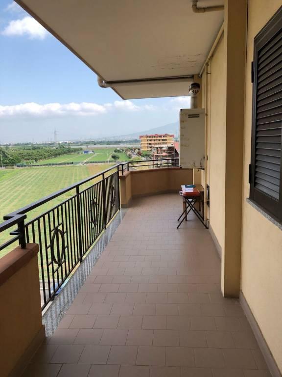 Appartamento in buone condizioni in affitto Rif. 7844319