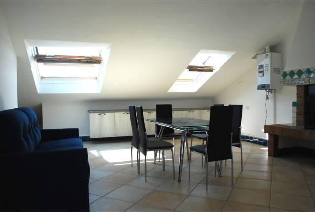 Appartamento in ottime condizioni in affitto Rif. 4517478
