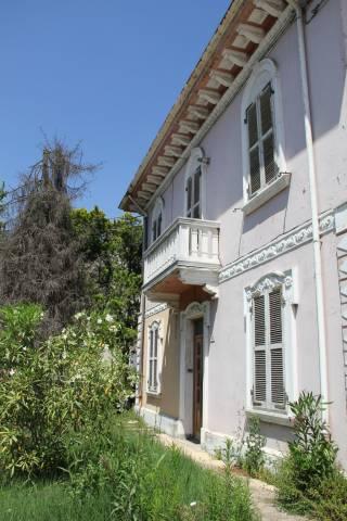 Villa in Vendita a Savignano Sul Rubicone Centro: 5 locali, 293 mq