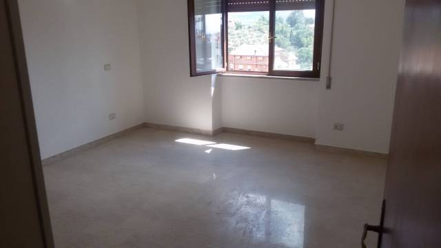 Appartamento in buone condizioni in affitto Rif. 7285251