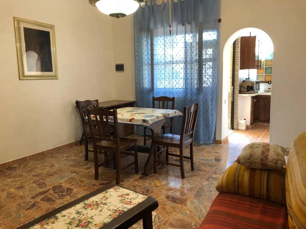 Appartamento in buone condizioni arredato in affitto Rif. 7281006