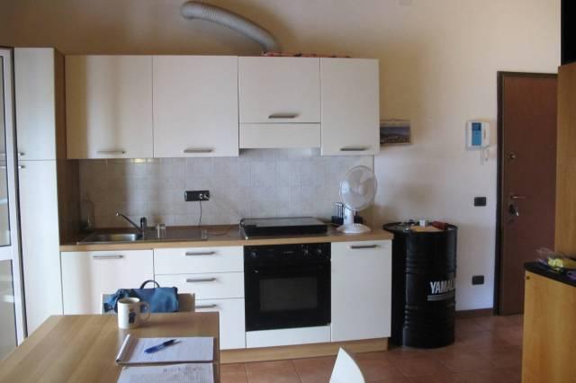 Appartamento in buone condizioni arredato in affitto Rif. 7278477