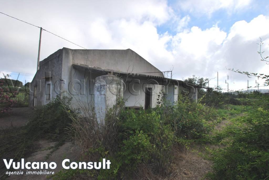 Appartamento in vendita a Lipari, 3 locali, prezzo € 155.000   CambioCasa.it