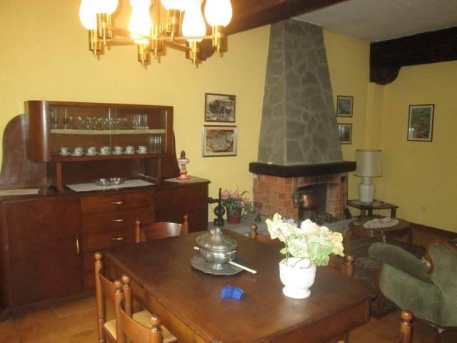 Appartamento in buone condizioni arredato in vendita Rif. 7278726