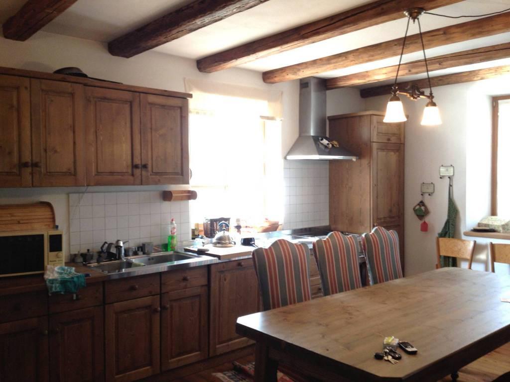Appartamento in ottime condizioni arredato in vendita Rif. 7359981
