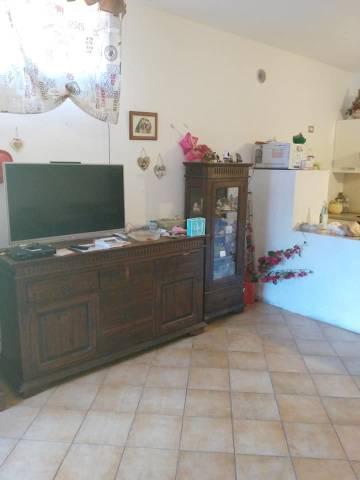 Appartamento in buone condizioni in affitto Rif. 7299513