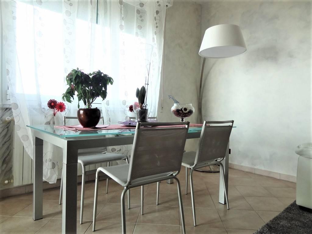 Appartamento in ottime condizioni in vendita Rif. 7311662