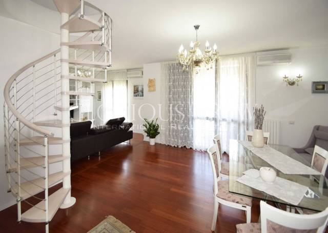 Appartamento in ottime condizioni parzialmente arredato in vendita Rif. 7297483