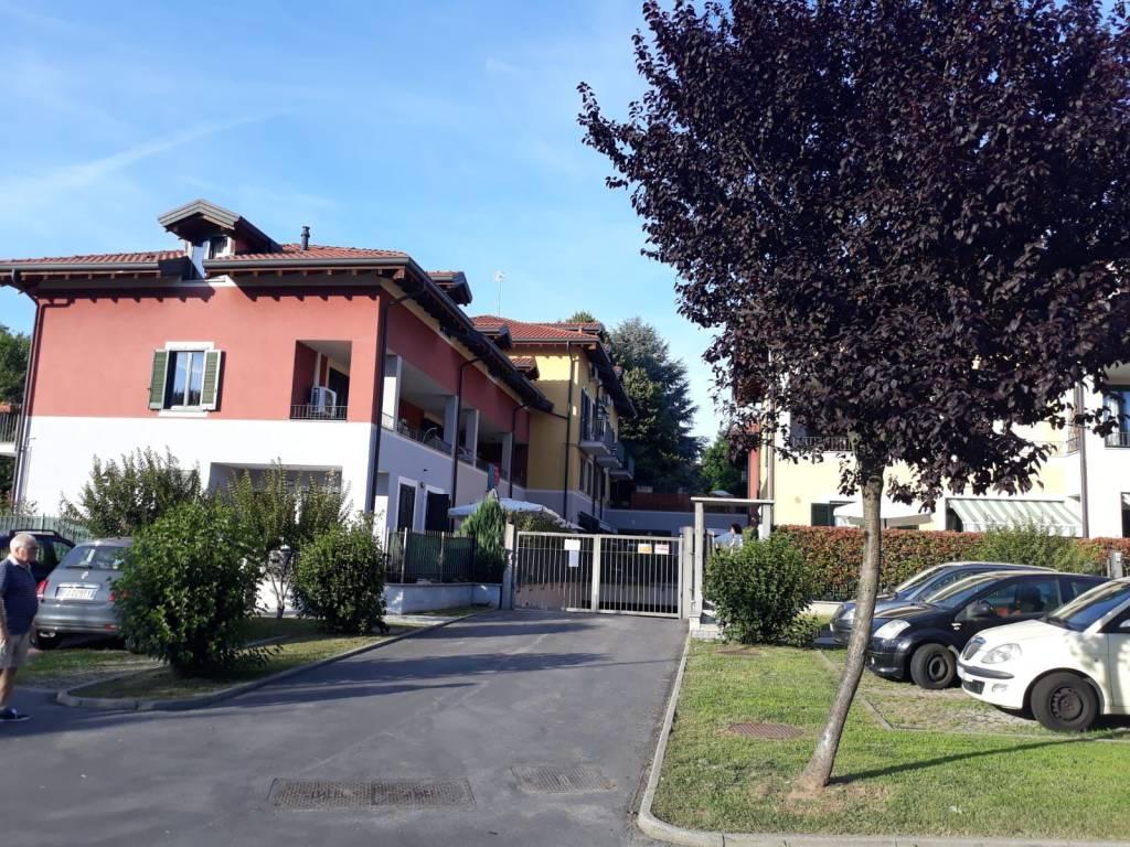 Appartamento in buone condizioni parzialmente arredato in affitto Rif. 7283146