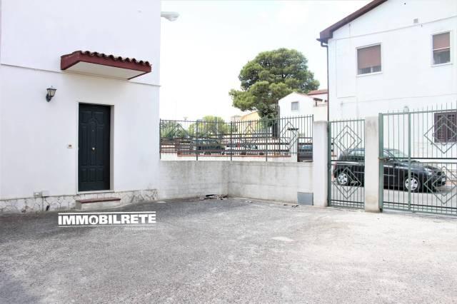 Villa in buone condizioni in vendita Rif. 7298390
