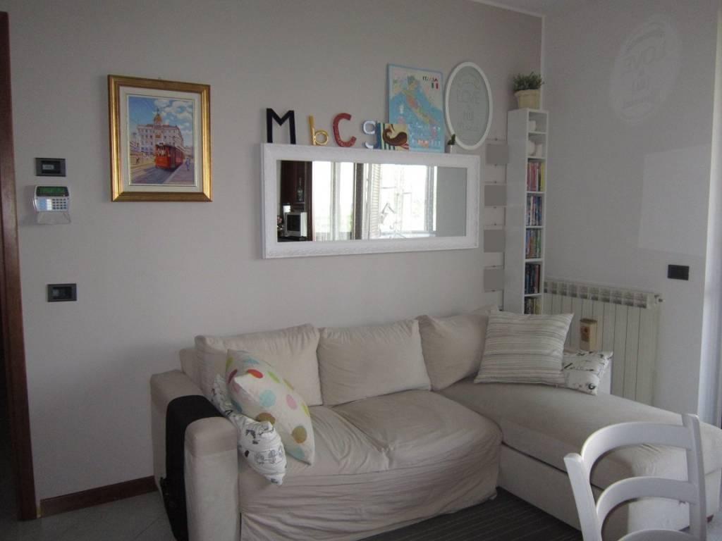 Appartamento in buone condizioni parzialmente arredato in vendita Rif. 7297718