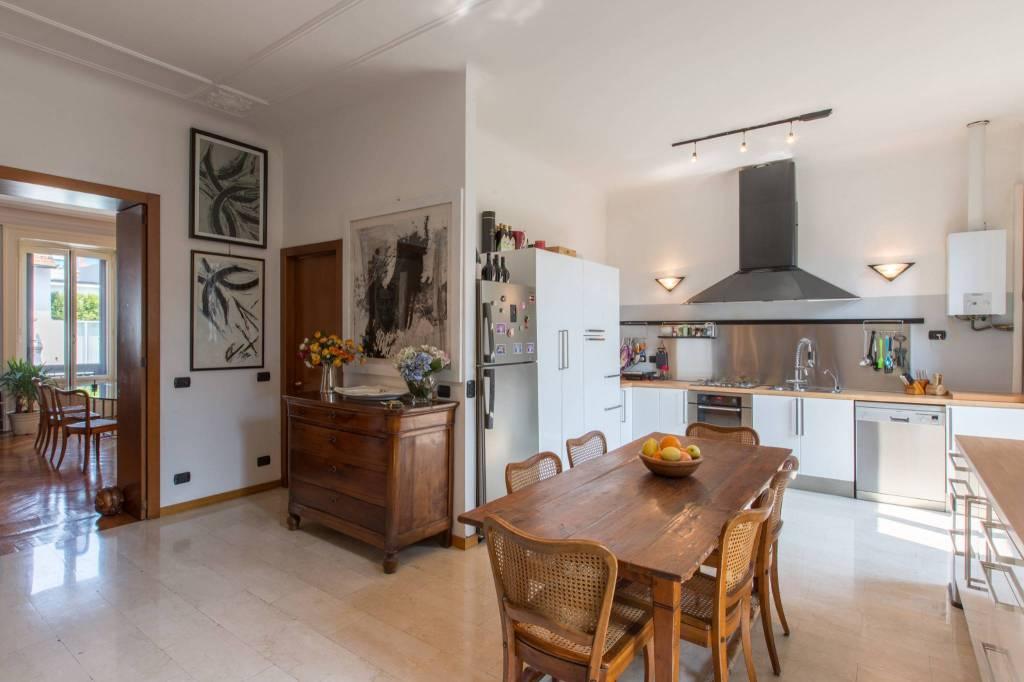 Appartamento in Vendita a Milano: 5 locali, 294 mq - Foto 5