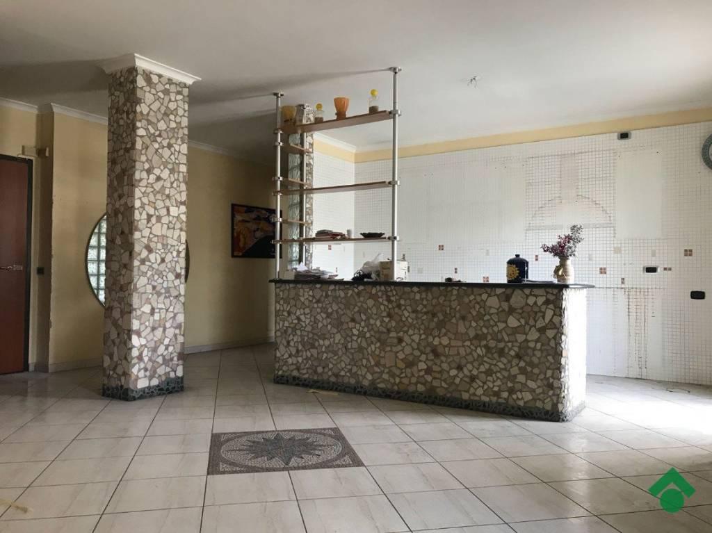 Appartamento in ottime condizioni in vendita Rif. 9226303