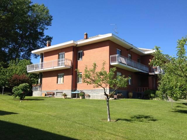 Appartamento in buone condizioni in affitto Rif. 7297627