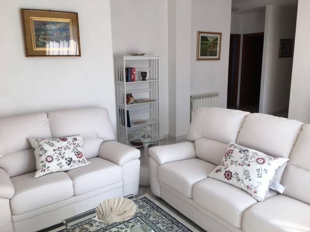 Appartamento in ottime condizioni arredato in affitto Rif. 7298207