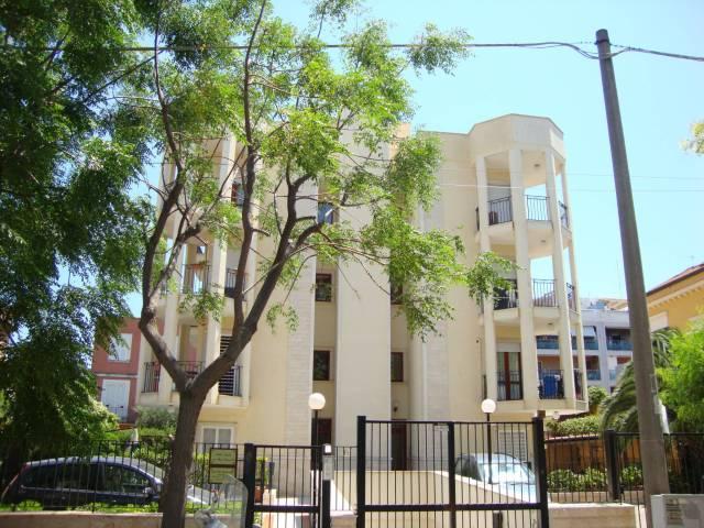 Appartamento in ottime condizioni in affitto Rif. 7295357