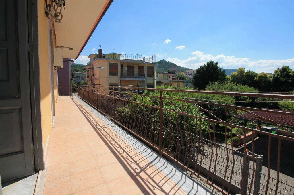 Appartamento in buone condizioni in affitto Rif. 7299079
