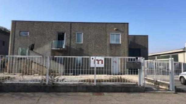 Capannone in vendita a Brusaporto, 6 locali, prezzo € 367.000 | CambioCasa.it