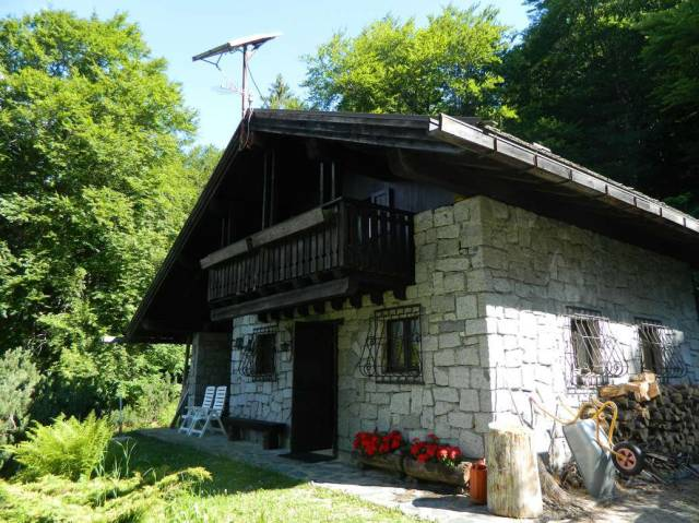 Rustico in Vendita a Tione Di Trento Periferia: 3 locali, 138 mq