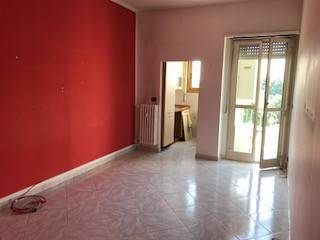 Appartamento in buone condizioni in vendita Rif. 7296137