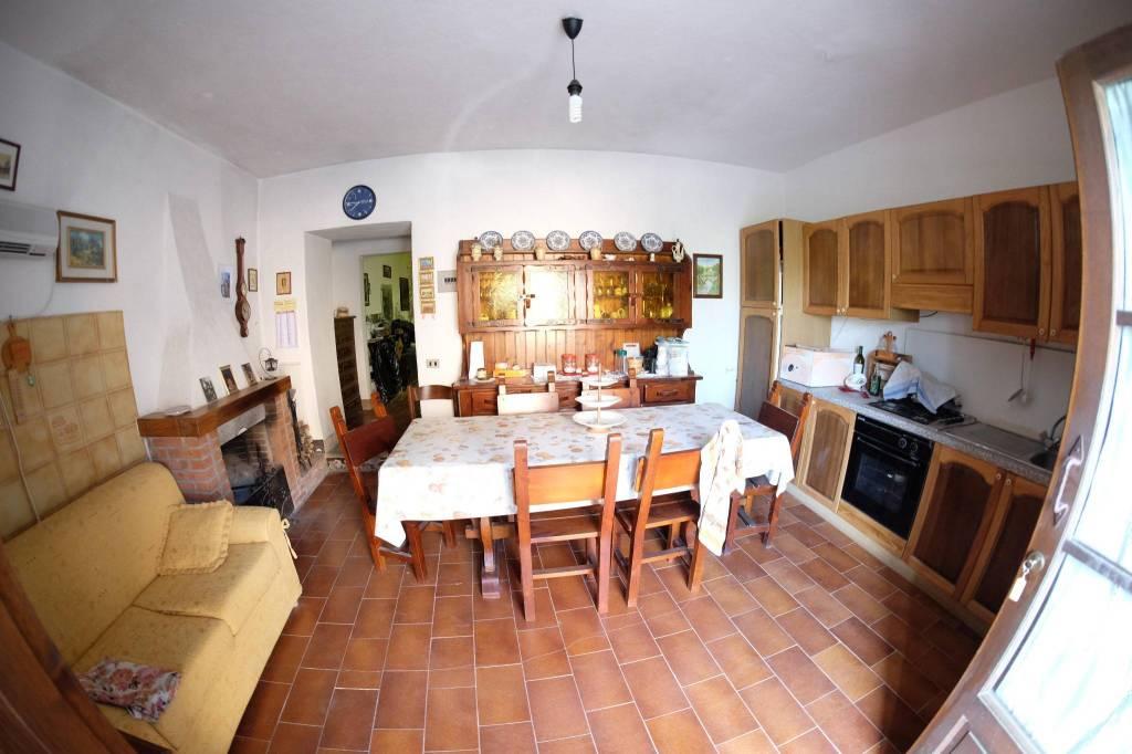 Appartamento in buone condizioni in vendita Rif. 7309415