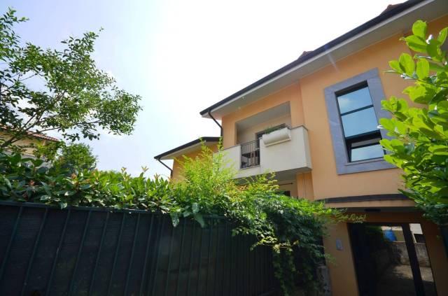 Appartamento in buone condizioni parzialmente arredato in vendita Rif. 7310002