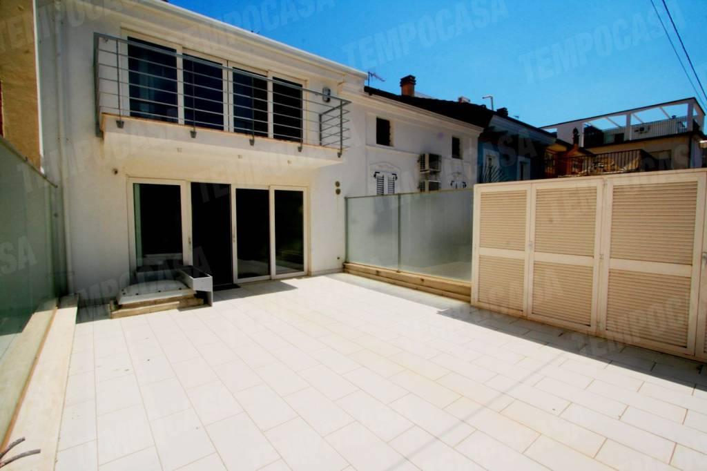 Casa Indipendente in ottime condizioni arredato in vendita Rif. 7945931