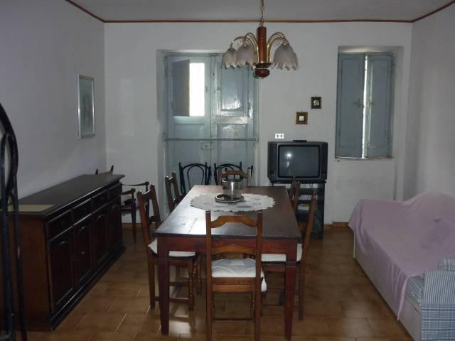 Appartamento da ristrutturare in vendita Rif. 7309597