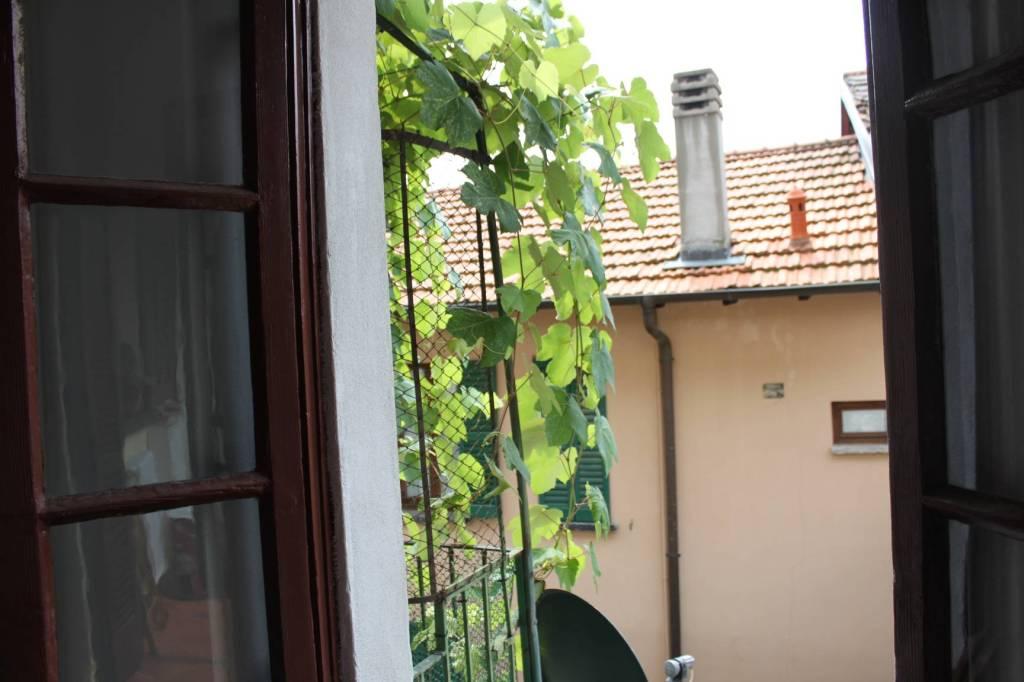 Appartamento in buone condizioni parzialmente arredato in vendita Rif. 6330329