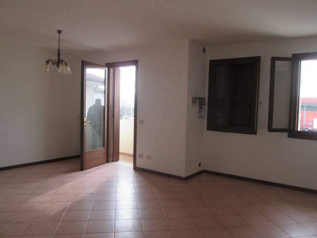 Appartamento in buone condizioni in vendita Rif. 7311675