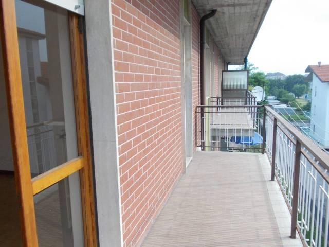 Appartamento in buone condizioni in affitto Rif. 7323425