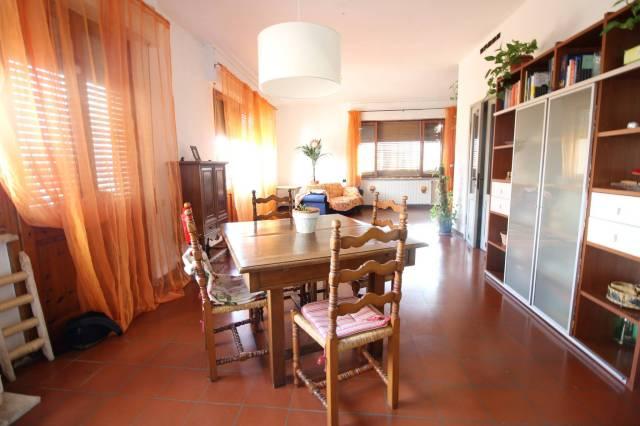 Appartamento In Bifamiliare di Villa Singola