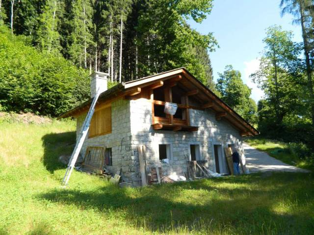 Rustico in Vendita a Tione Di Trento Periferia: 4 locali, 160 mq