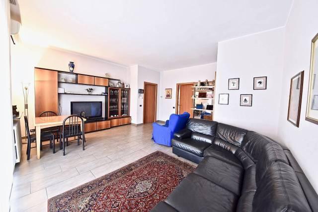 Appartamento in ottime condizioni in vendita Rif. 7323749
