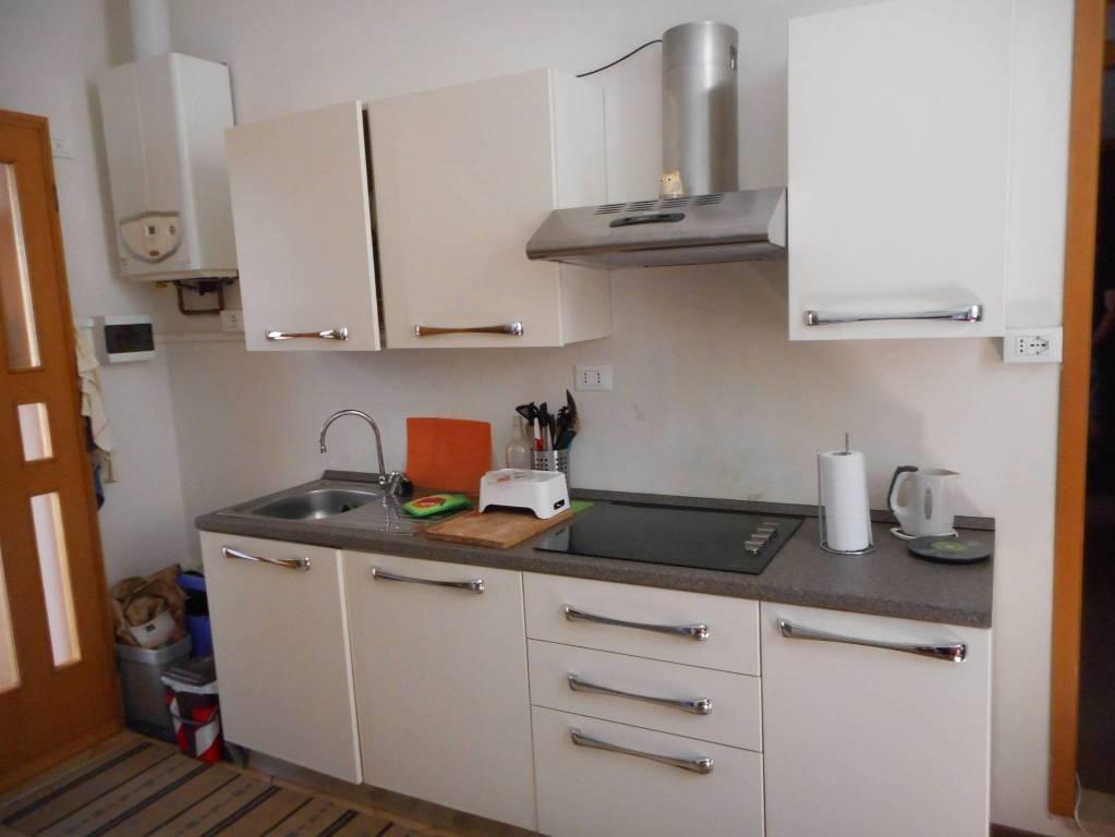 Appartamento in ottime condizioni arredato in vendita Rif. 9308403
