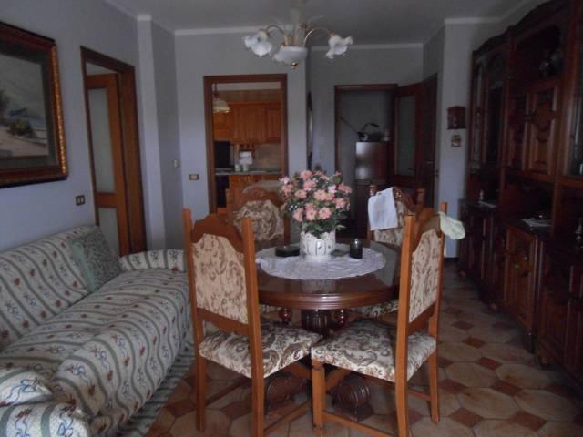 Appartamento in buone condizioni arredato in vendita Rif. 7324238