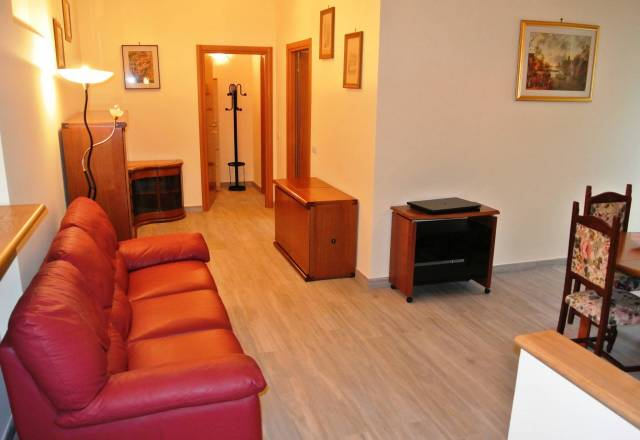 Appartamento in ottime condizioni arredato in affitto Rif. 7323907