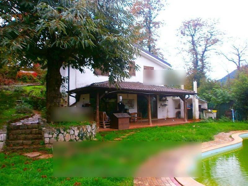 Villa in buone condizioni parzialmente arredato in vendita Rif. 7324269