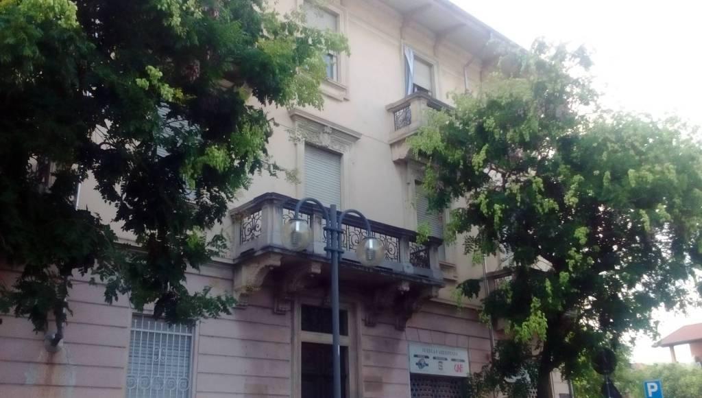 Appartamento in buone condizioni in affitto Rif. 9290282