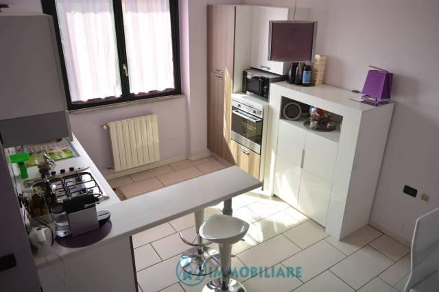 Appartamento in buone condizioni in vendita Rif. 7323398